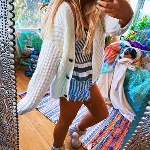 Wooden Buttoned Woven ZigZag Boho Cardi ✨